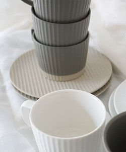 Coffee Time!_a set of coffee cups and saucers