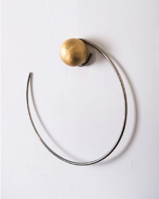 Brass ball hanger
